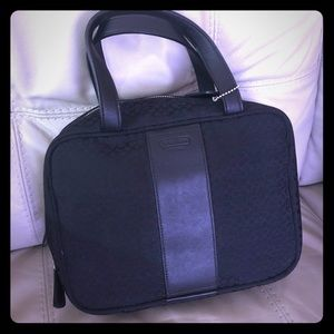 Toiletries/Makeup Carrying Case